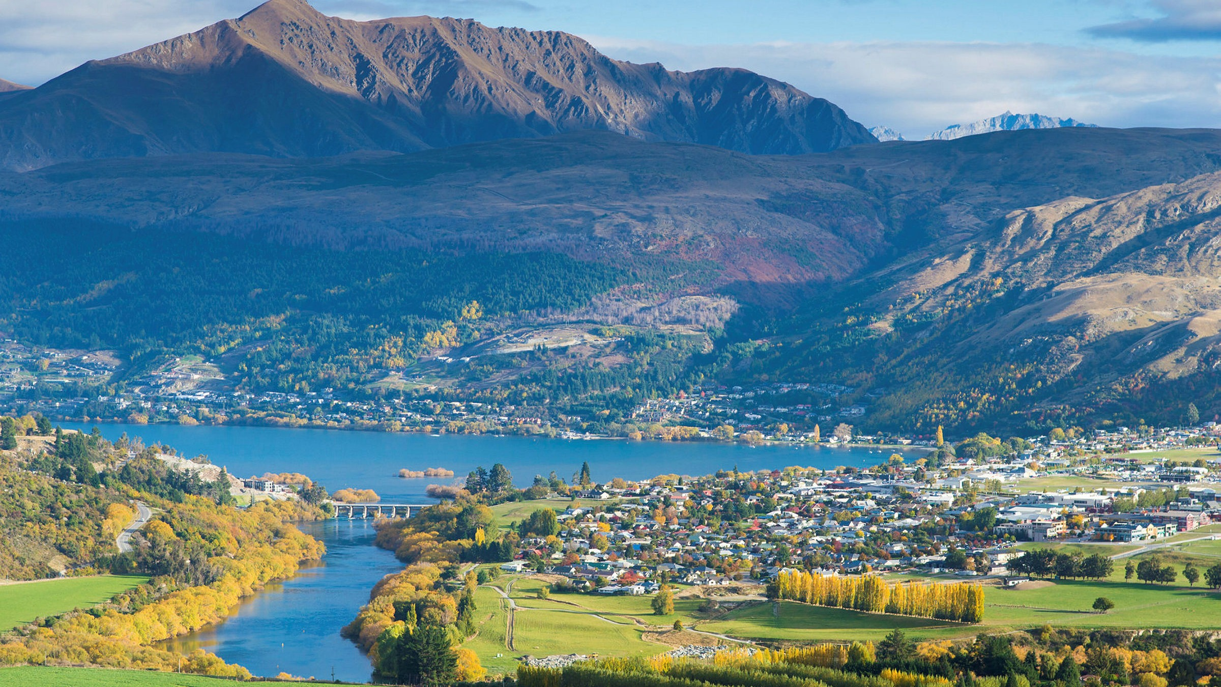 Returning New Zealanders push population to record 5m | Financial ...