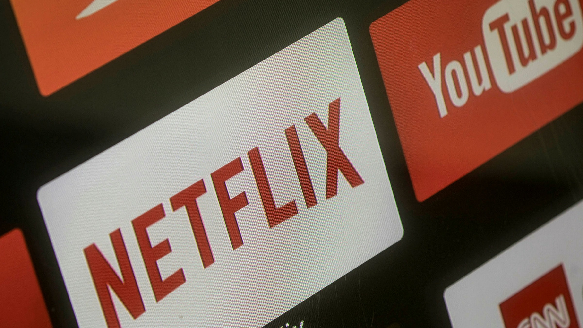 Youtube Amazon And Netflix Cut Picture Quality In Europe Financial Times