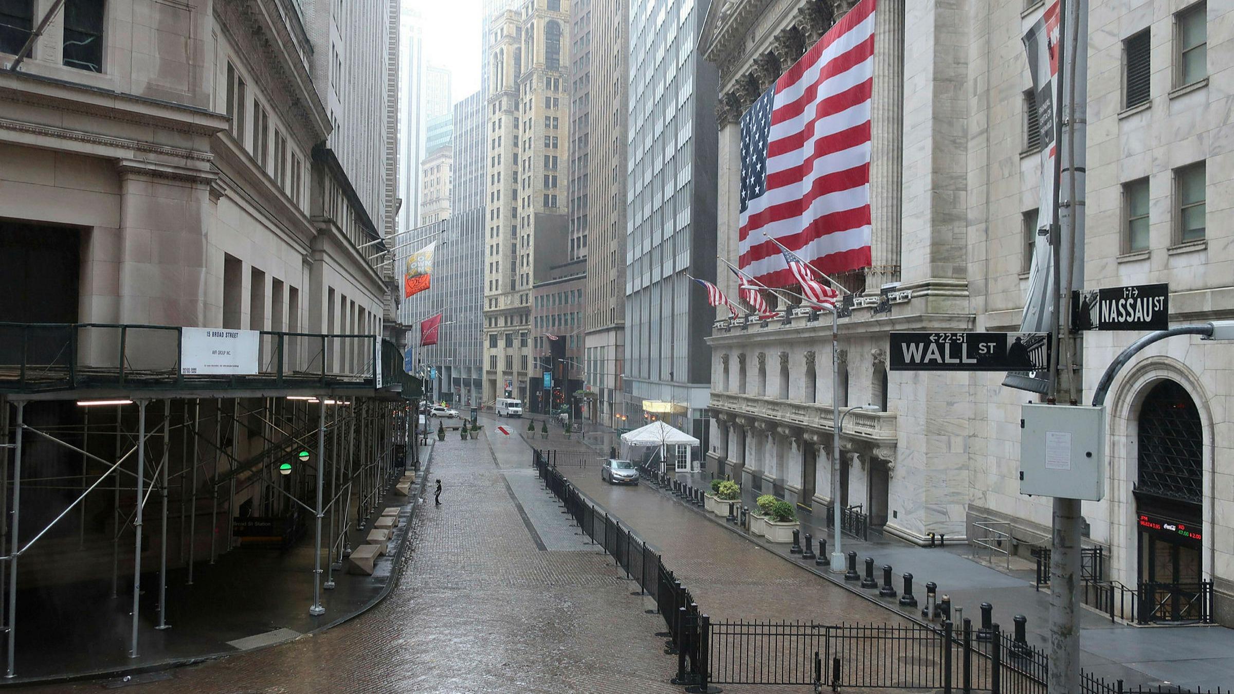 Wall Street ends higher as investors look past immediate downturn ...