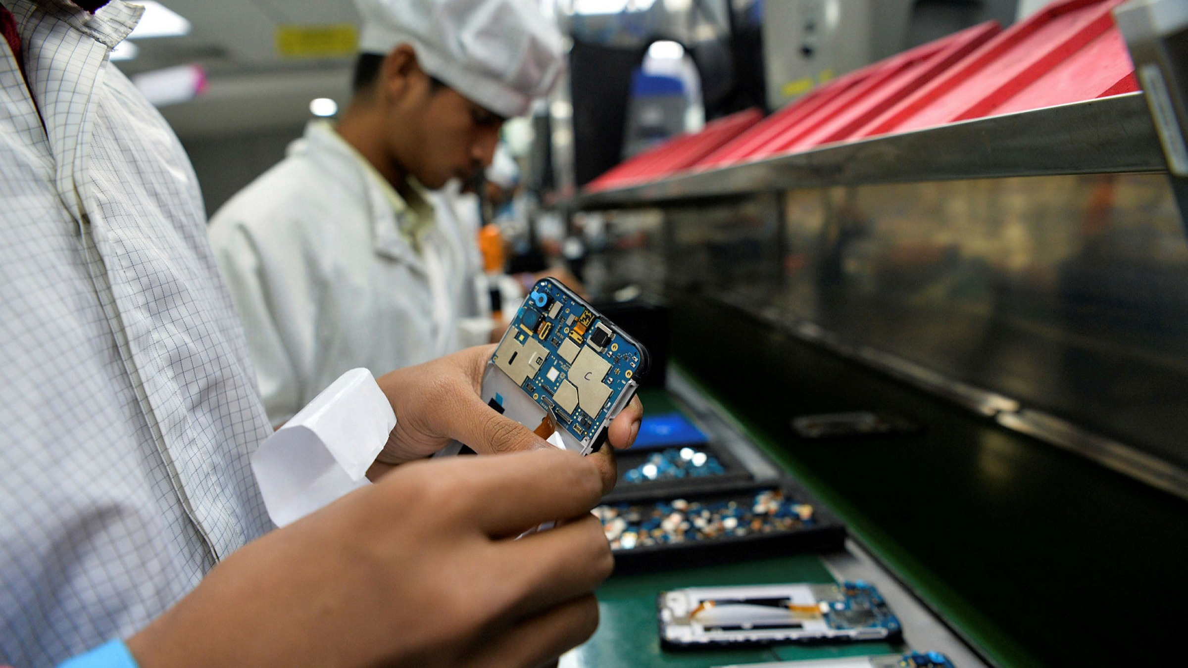 ft.com - Stephanie Findlay in Sriperumbudur - Manufacturers look to India to tap market and diversify supply chains