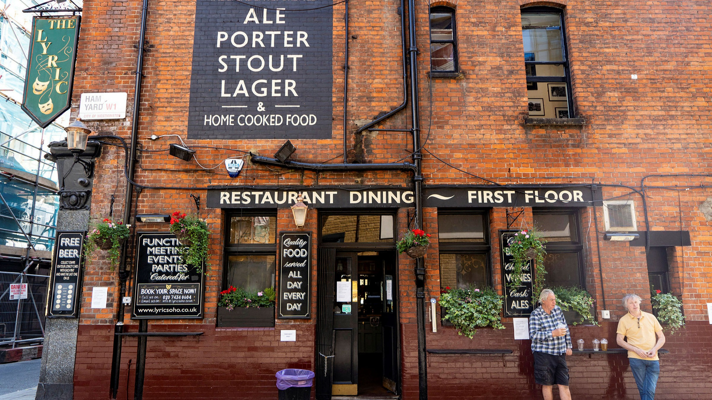 Young S Refuses To Open Pubs Under 2 Metre Social Distancing Rule Financial Times