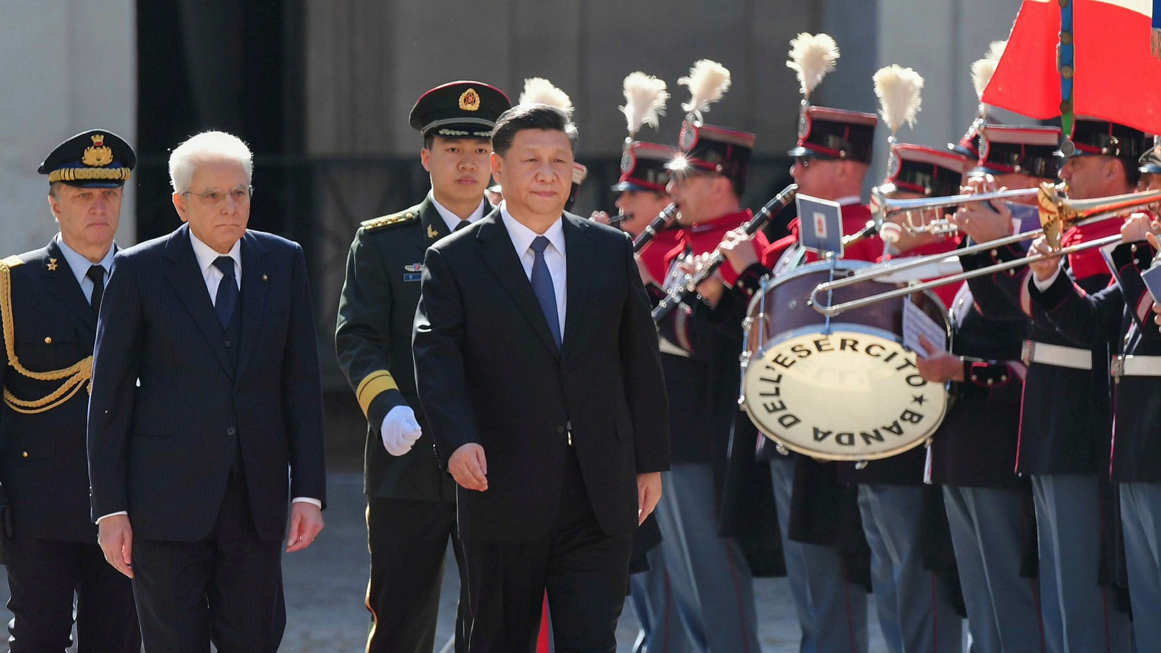 Mario Draghi sets tone in cooling EU-China relations