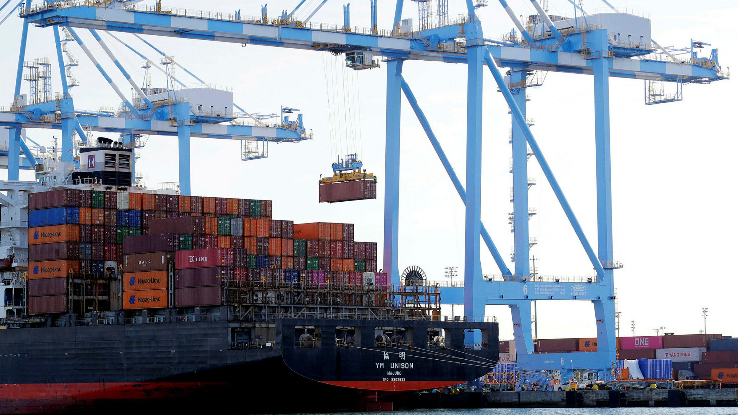 US trade deficit swells in July to highest level since 2008 2