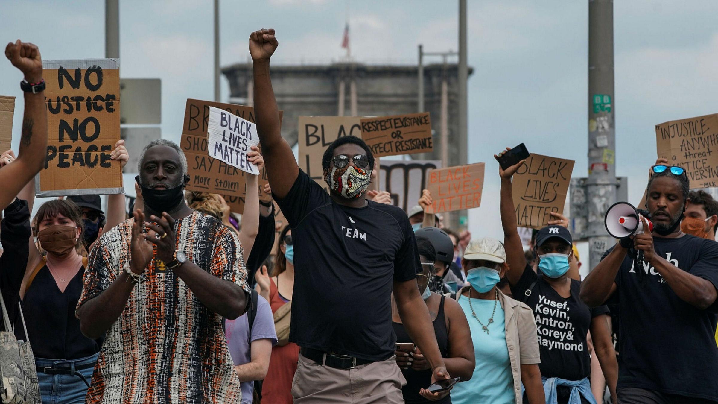 US 'Black Lives Matter' protests go global | Financial Times