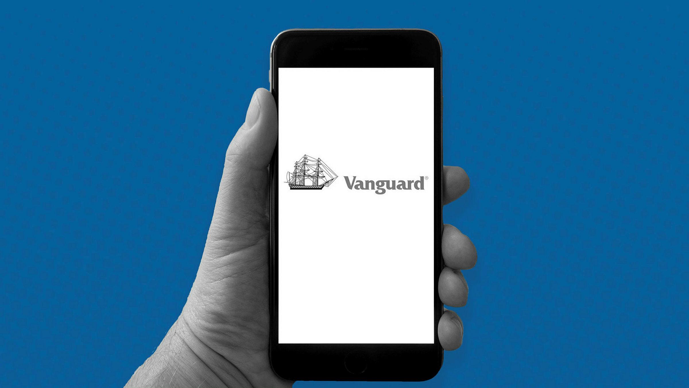 vanguard lifestrategy rivals compared