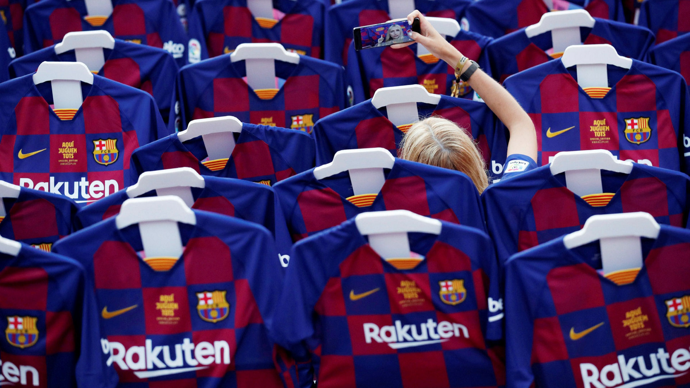 What Barcelona S Bleeding Shirts Tell Us About The Pandemic Financial Times