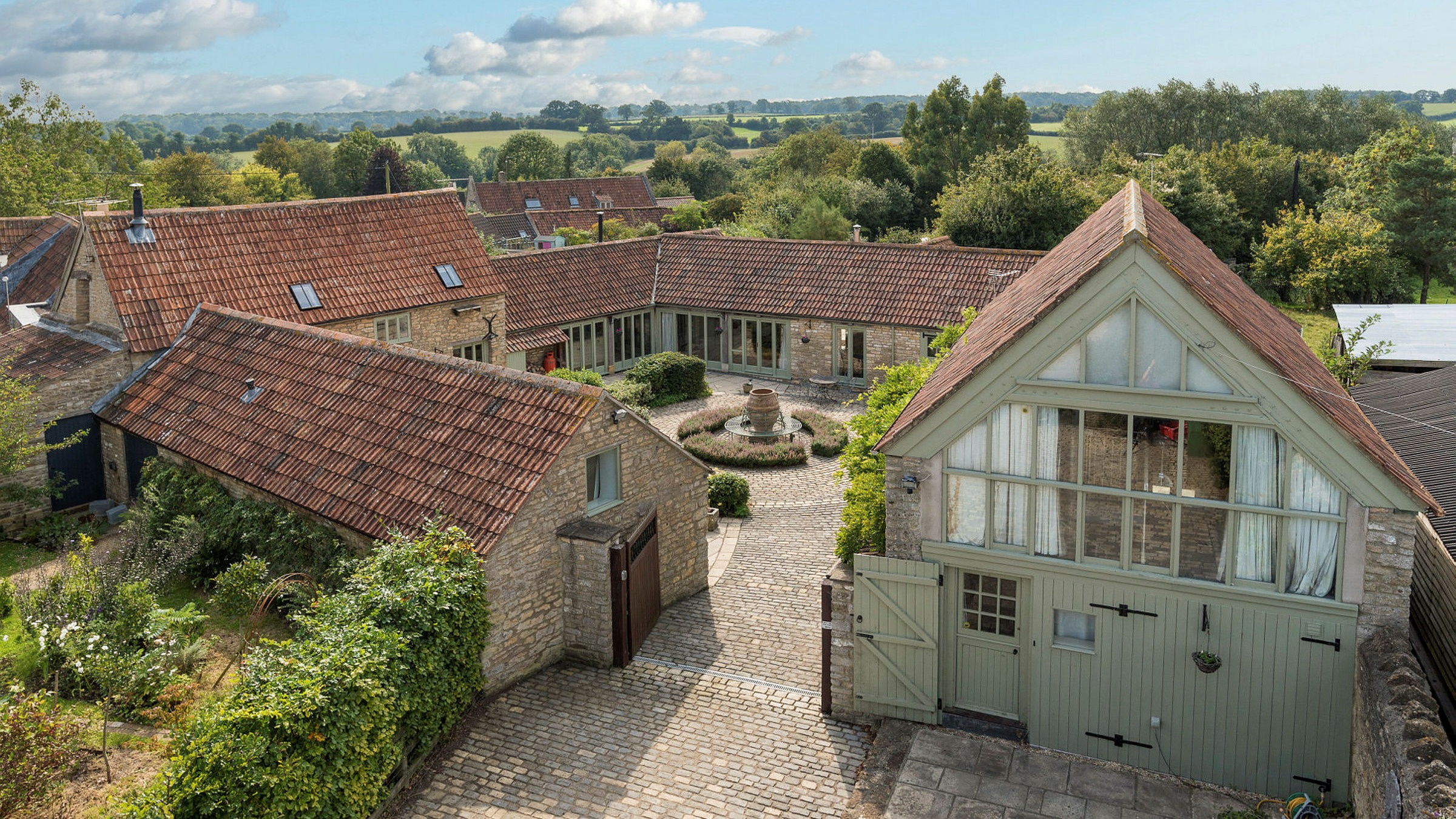 Turn A Derelict Barn Into A Des Res But Hurry They Are Scarce Financial Times