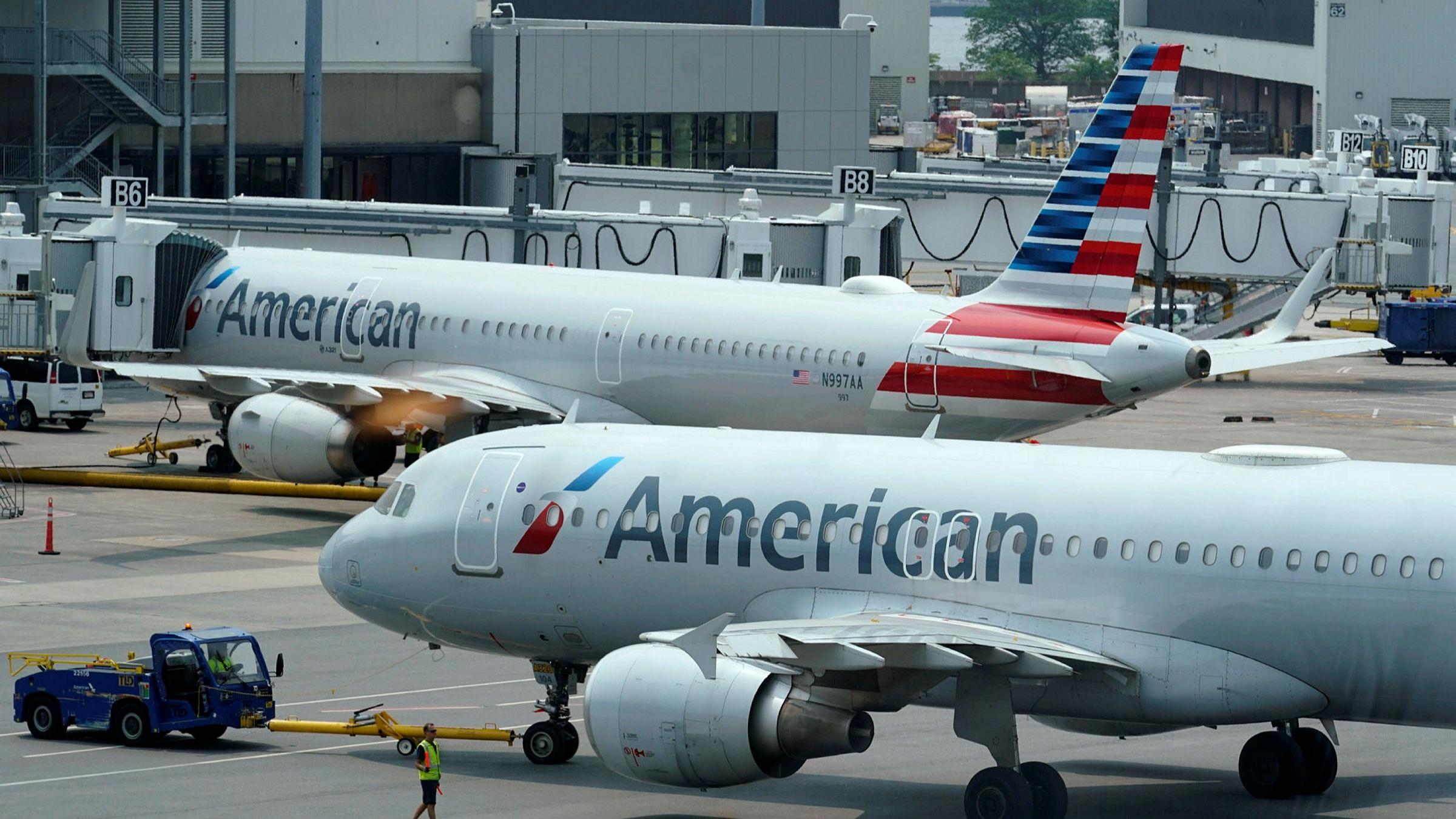 ft.com - Claire Bushey in Chicago and Philip Georgiadis in London - US airlines return to profit as European counterparts languish