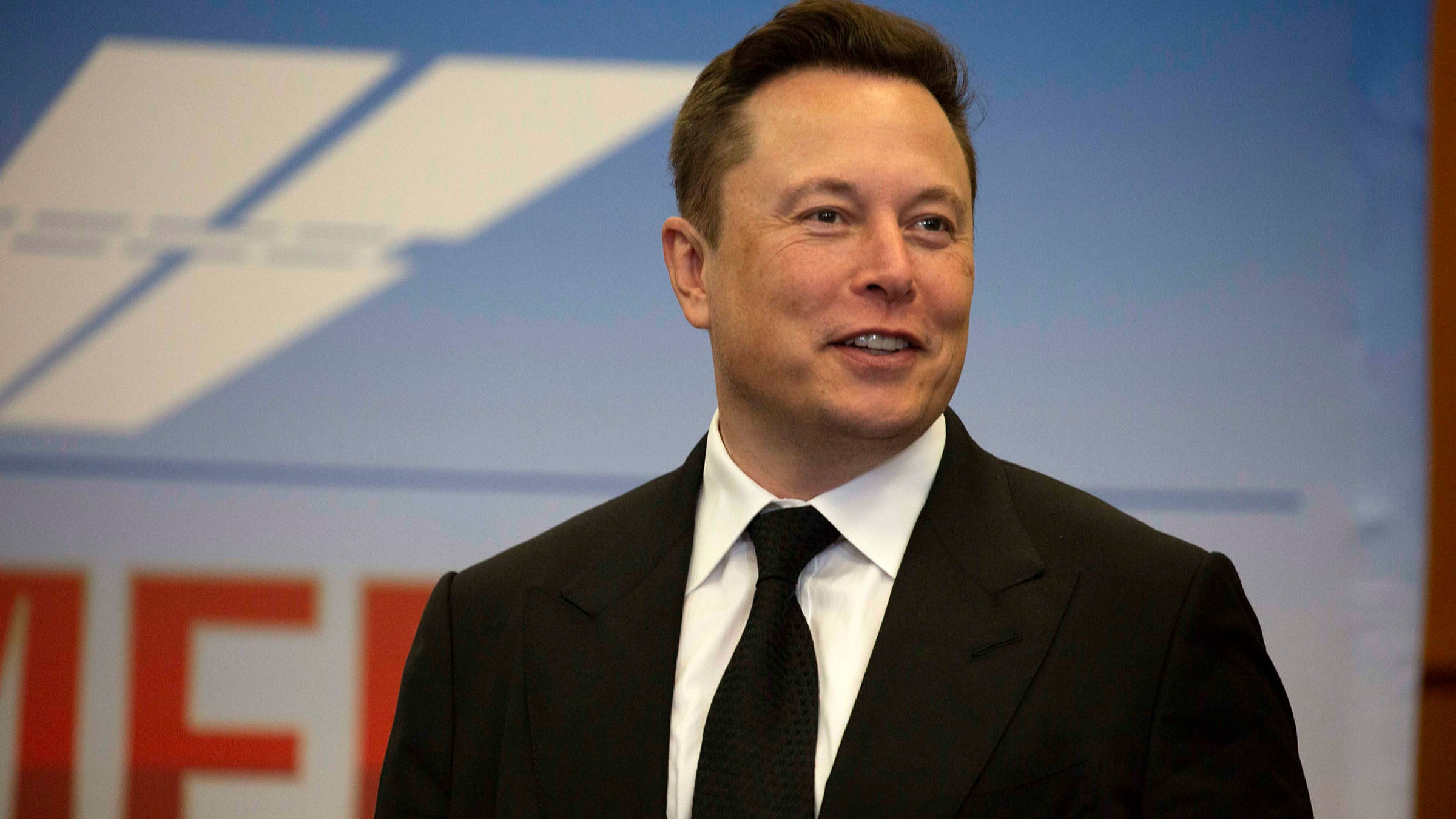 Musk says SpaceX holds bitcoin, Tesla 'likely' to resume accepting it