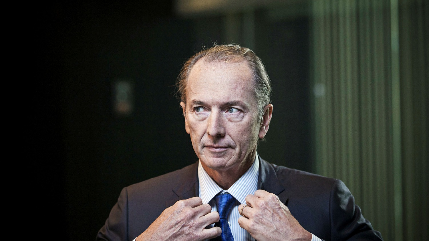 ft.com - Gabriel Altbach - Market pressure blurs the line between US asset and wealth managers