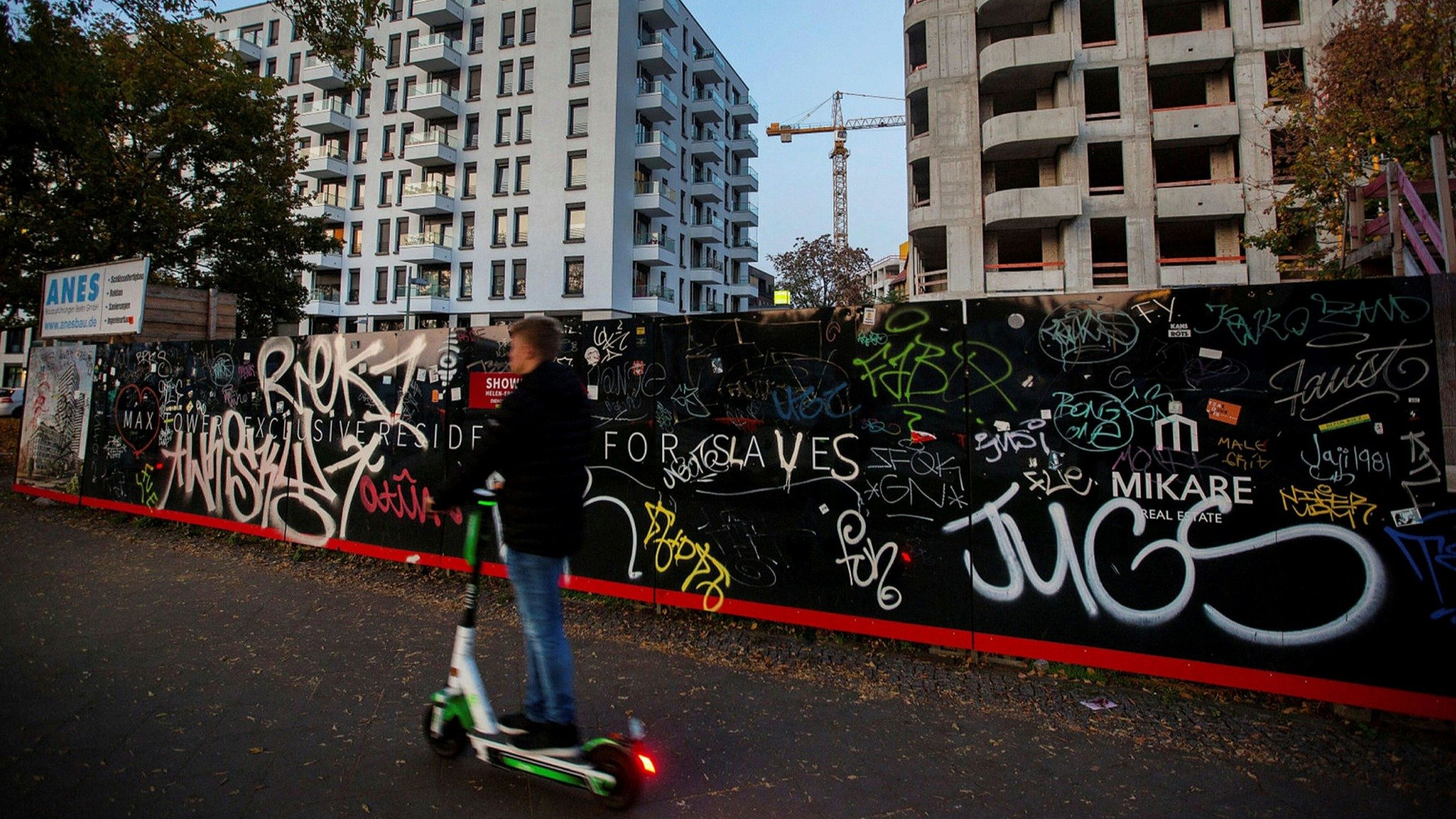 Big Buyers Eye Berlin Properties Despite Rent Freeze Financial Times