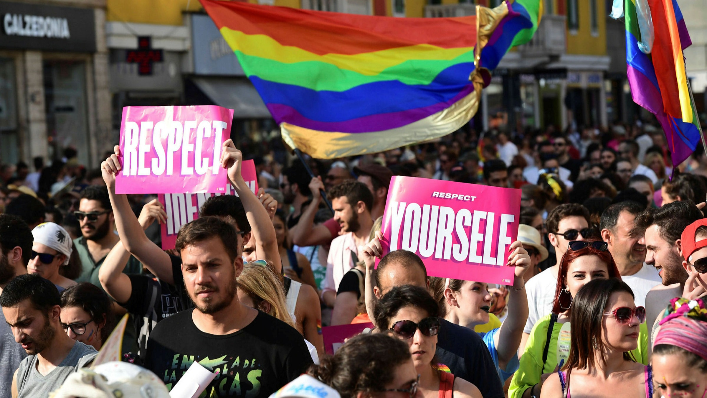 Fight over equal rights for LGBT people divides Italy | Financial Times