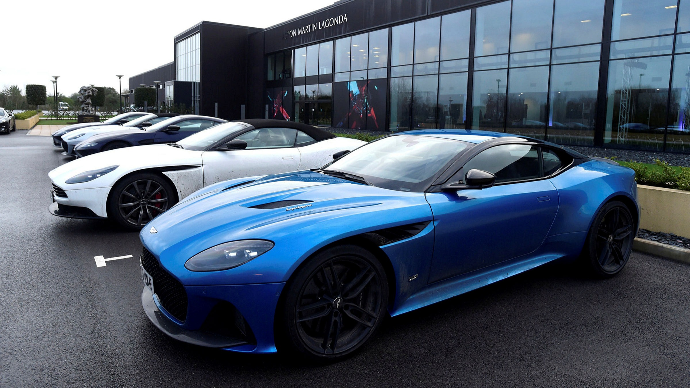 Aston Martin Forced To Pay 10 5 Yield On 1bn Bond Deal Financial Times