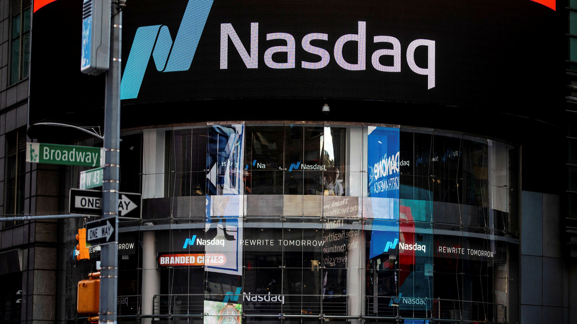 Downbeat' US executives dump most stock in a month since 2015 | Financial  Times