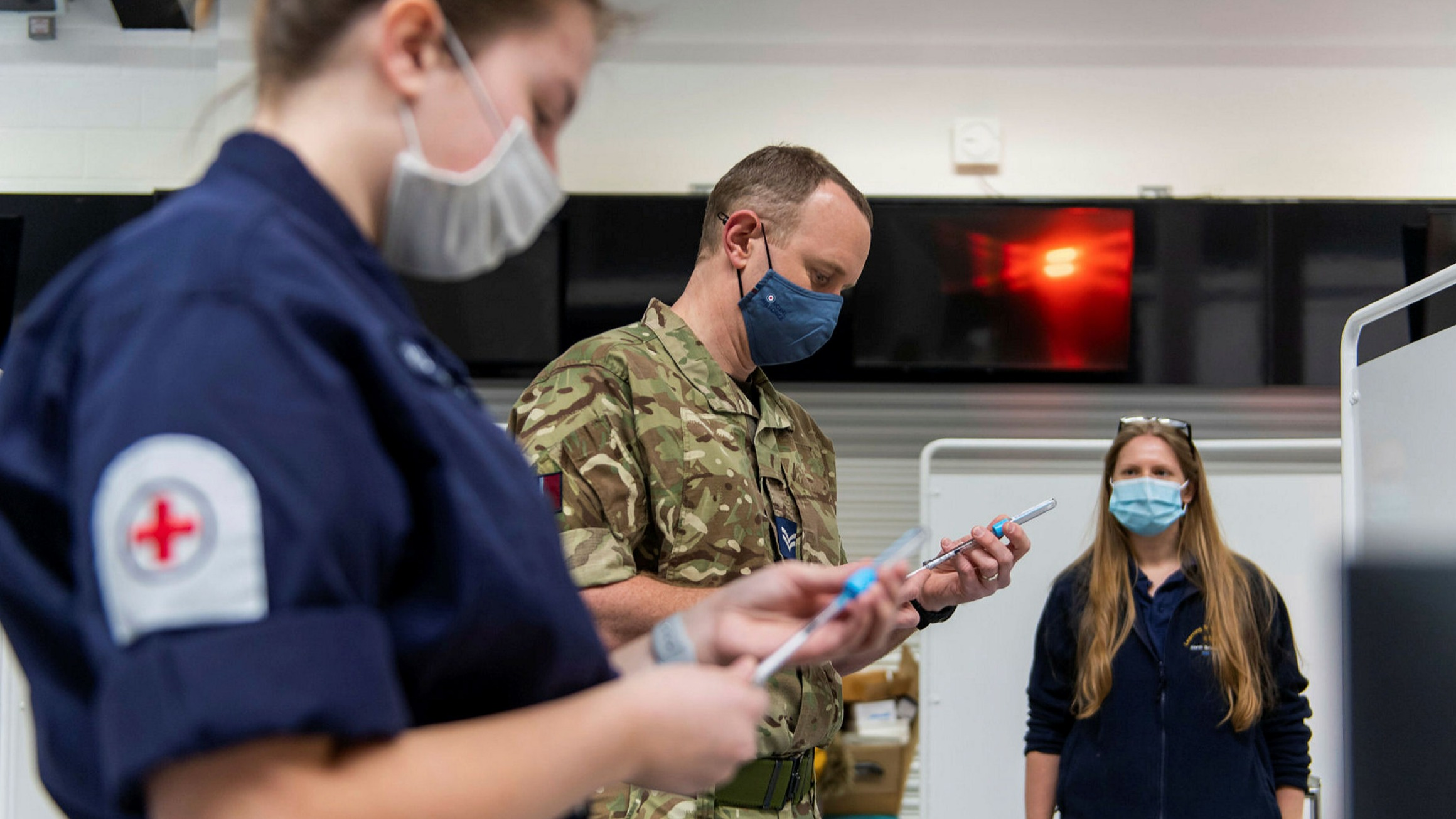 Military medics to work in UK hospitals as Covid admissions soar |  Financial Times