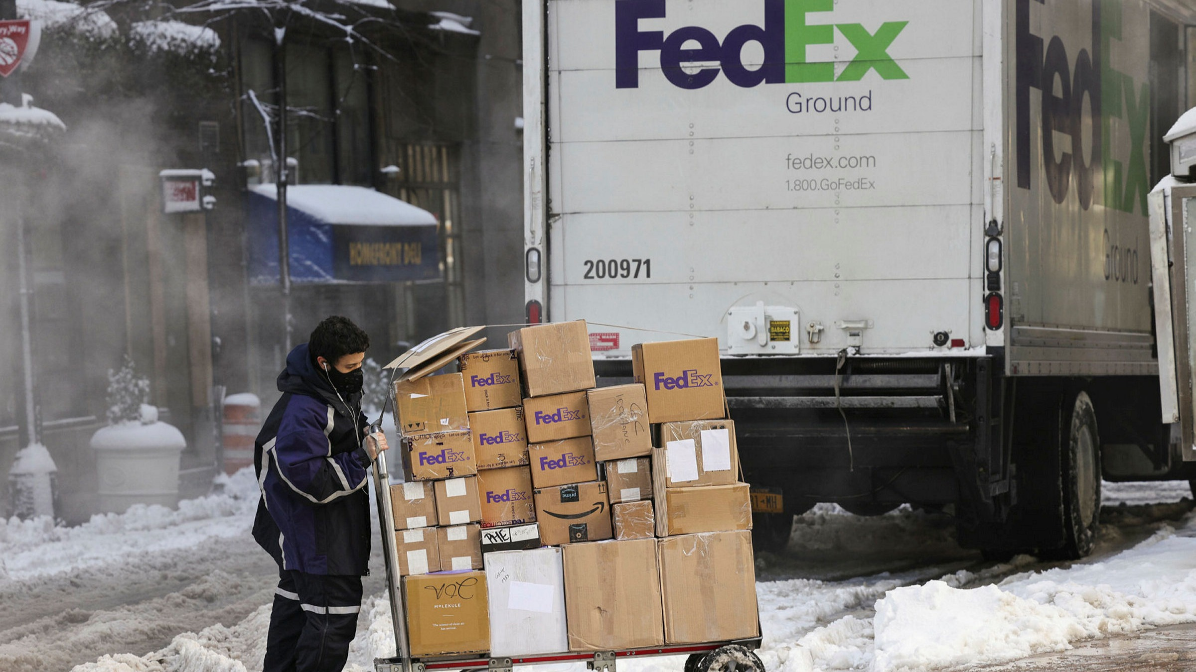 Fedex Christmas Delivery Schedule 2021 Fedex Results Show Scale Of Online Shopping Boom Financial Times