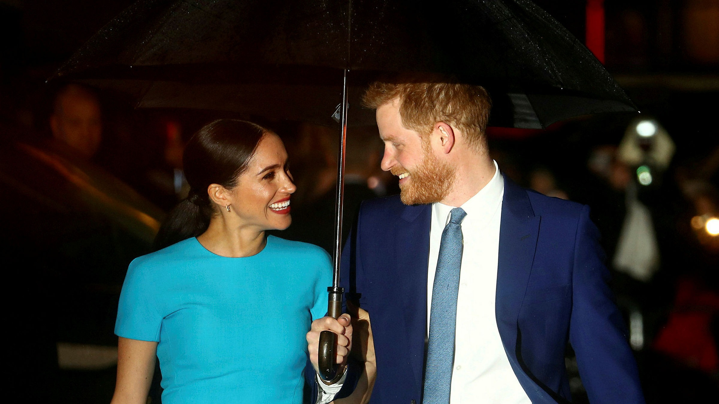 prince harry and meghan markle escalate fight with tabloids financial times prince harry and meghan markle escalate